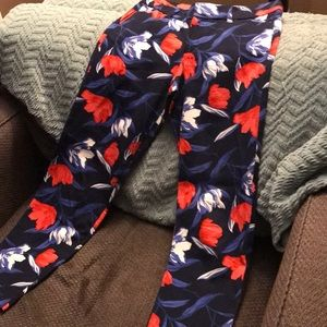 EUC Old Navy Pixie Pants